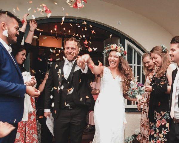 Hochzeitsgäste mieten